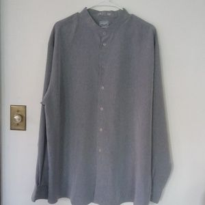 NWOT Mens Button Down Long Sleeve Shirt!